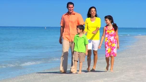 pláž rodinné zábavy