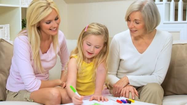 Kis szőke lány rajz anya  nagymama