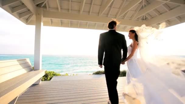 atraktivní pár slunce ostrov svatba