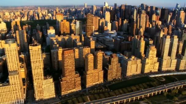 Letecký pohled na manhattany kultovní mrakodrapů, new york city, usa