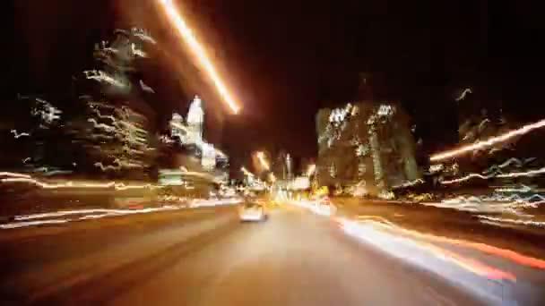 p.o.v odstupem času jízdy v noci manhattan, ny, usa