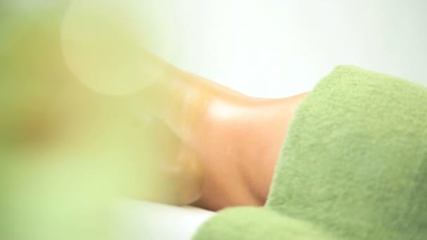 etnické žena po luxusní masáž relaxační