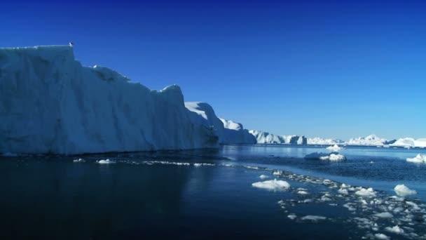 Fagyasztott jéggel sziklák érinti az éghajlatváltozás