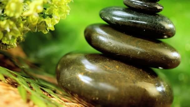Vyvážená přírodní kameny  aromaterapeutické oleje
