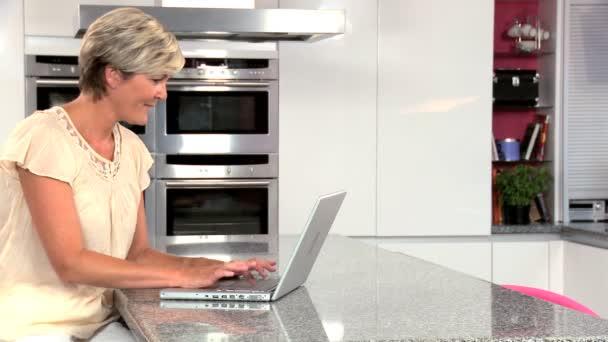 JEANNETTE: Mature kitchen videos