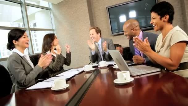 multi etnické výkonné obchodní tým úspěch