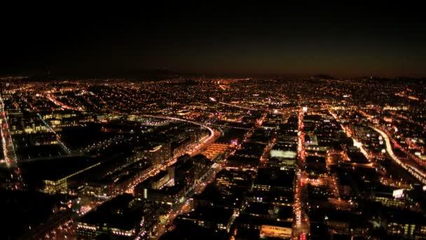 anténa v noci osvětlené panorama pohled válcování městské ulice, san francisco, usa