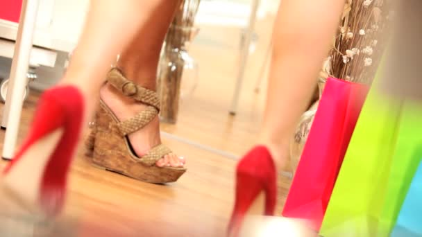 Divatos cipők lábak csak kipróbálás