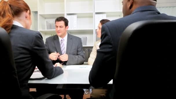 obchodní jednání multi etnické obchodní tým