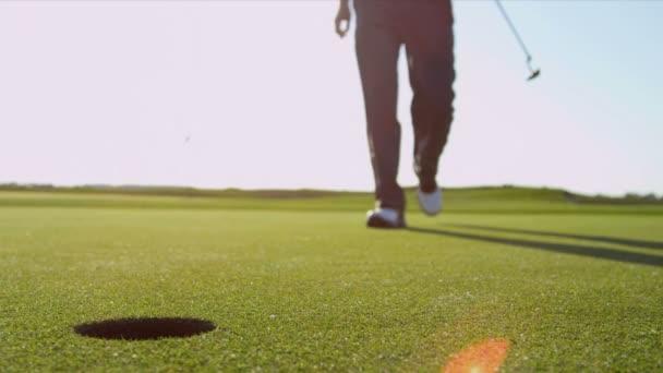 golfista na díry