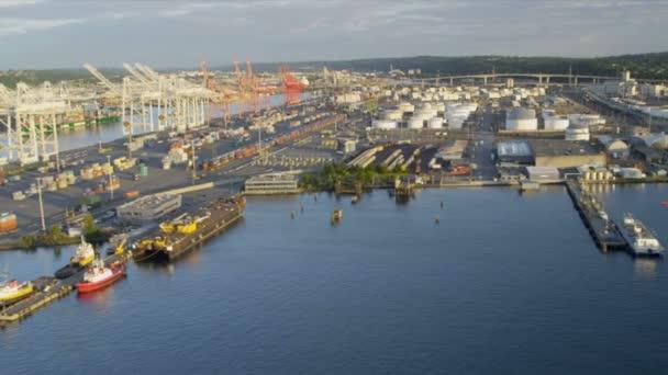 Letecký pohled na přístav ostrova kontejnerové překladiště seattle