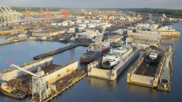 Letecký pohled na lodí v rámci suchých doků port seattle