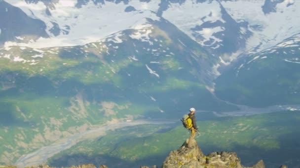 horolezec v létě
