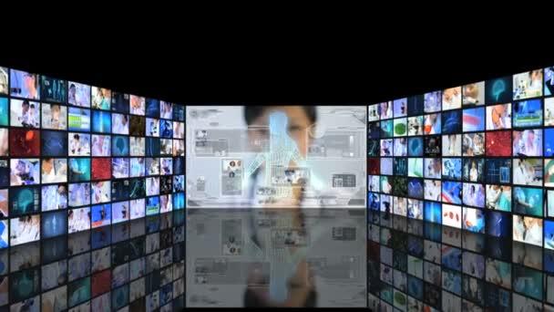 medizinische Forscher arbeiten mit 3d Touchscreen