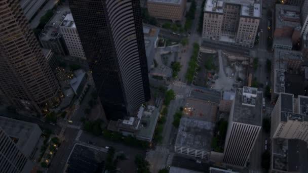 letecká soumraku nad hlavami Prohlédni seattle mrakodrapy obchodního centra, usa