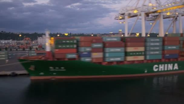 Letecký pohled na kontejnerovou loď přístav ostrova kontejner port seattle, usa