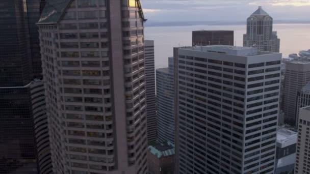 letecká soumrak pohled obchodní čtvrť mrakodrapů, seattle, usa