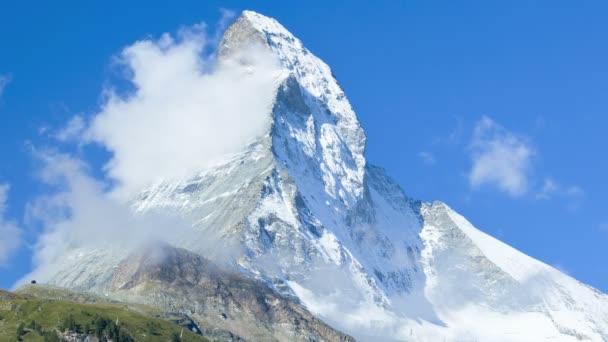 Cloud formation on Matterhorn Peak