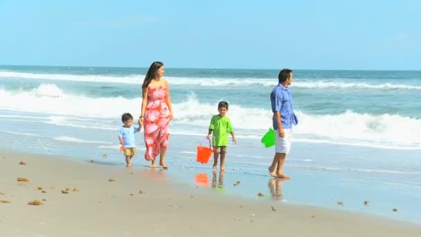 Latinské Ameriky rodinná pláž dovolená