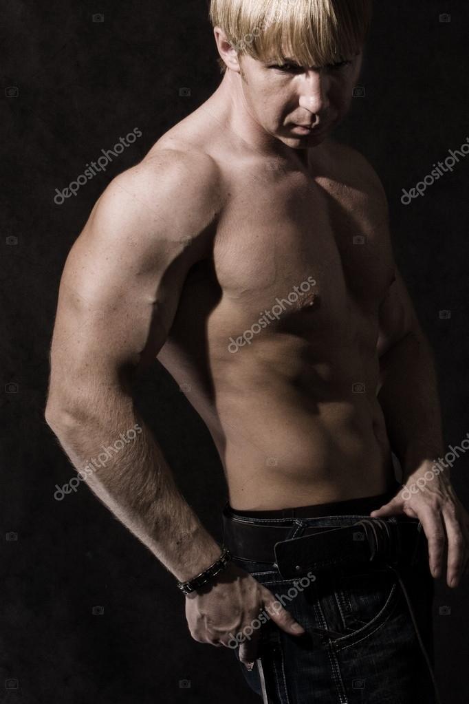 brazo musculoso macho — Foto de stock © tosher #19289427