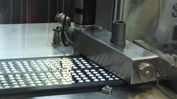 Таблетки на конвейере цепи роликовые длиннозвенные для транспортеров