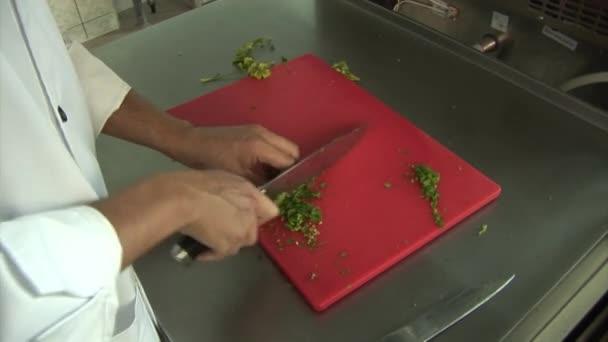 Cook, apróra vágott zöld