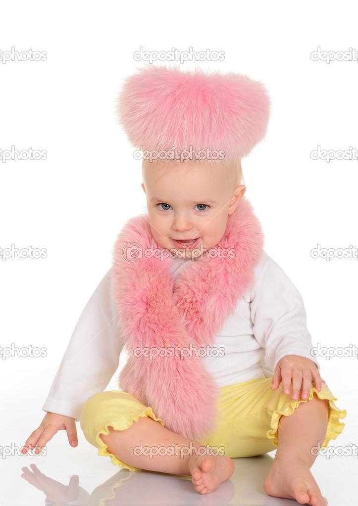4b71b8a72 schattige baby in roze bont