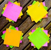 Fotografie Poznámka: barevný papír