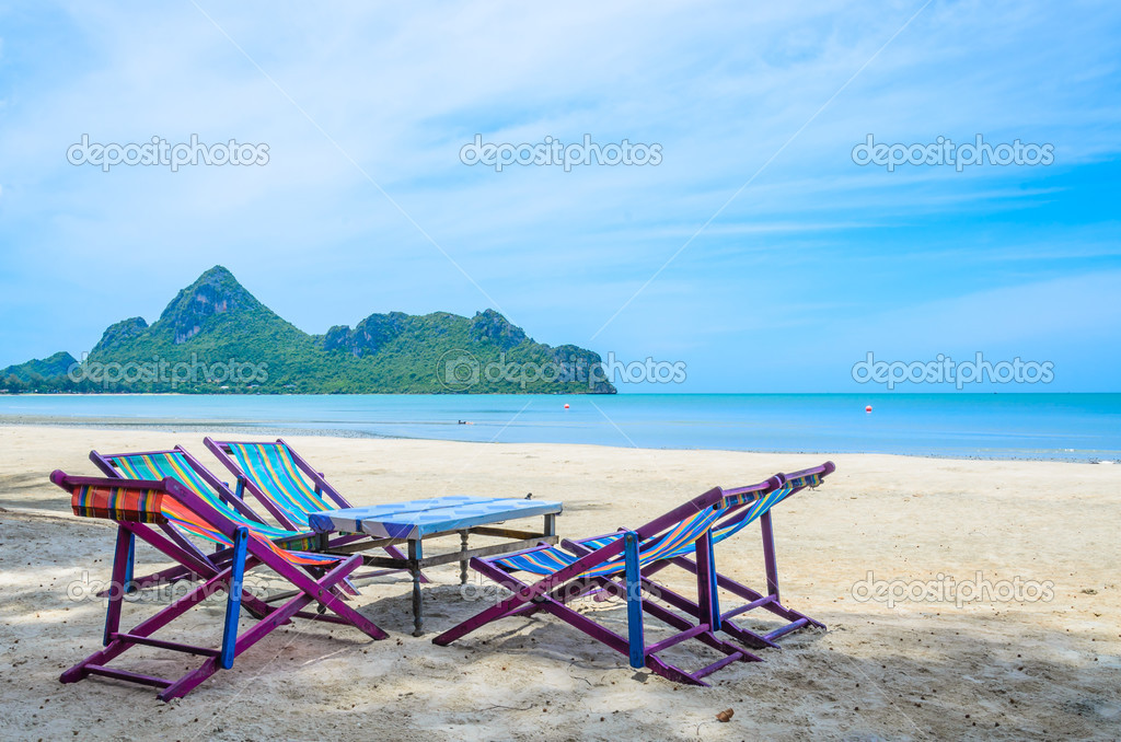 Bett Am Strand In Thailand Stockfoto C Mrsiraphol 33096815