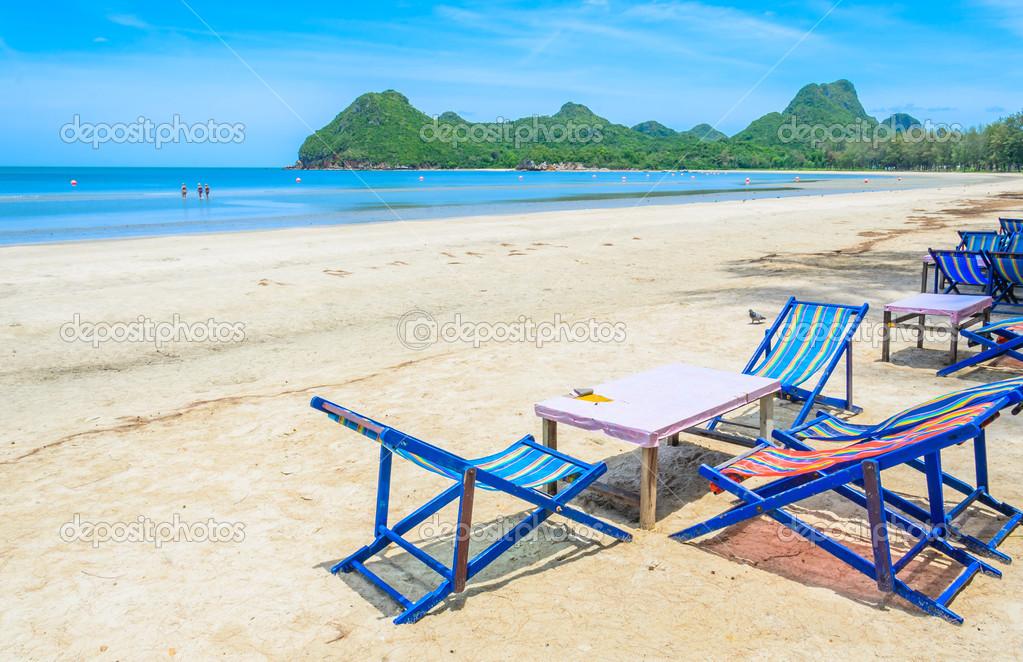 Bett Am Strand In Thailand Stockfoto C Mrsiraphol 33096895