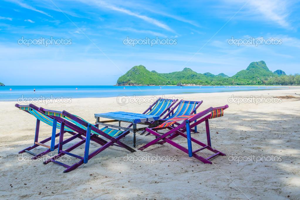 Bett Am Strand In Thailand Stockfoto C Mrsiraphol 33096981