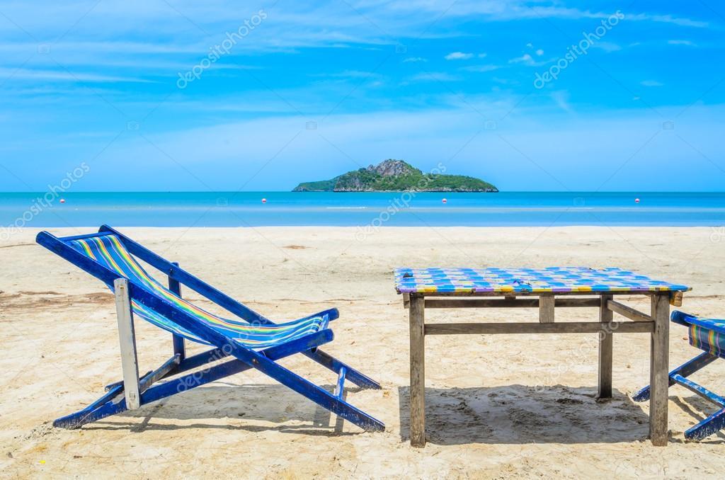 Bett Am Strand In Thailand Stockfoto C Mrsiraphol 33110025