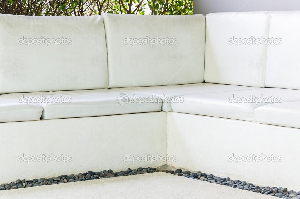 divano in pelle bianco — Foto Stock © mrsiraphol #38065599