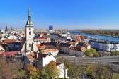 Fotografie pohled z Bratislavy s katedrálou sv. martin