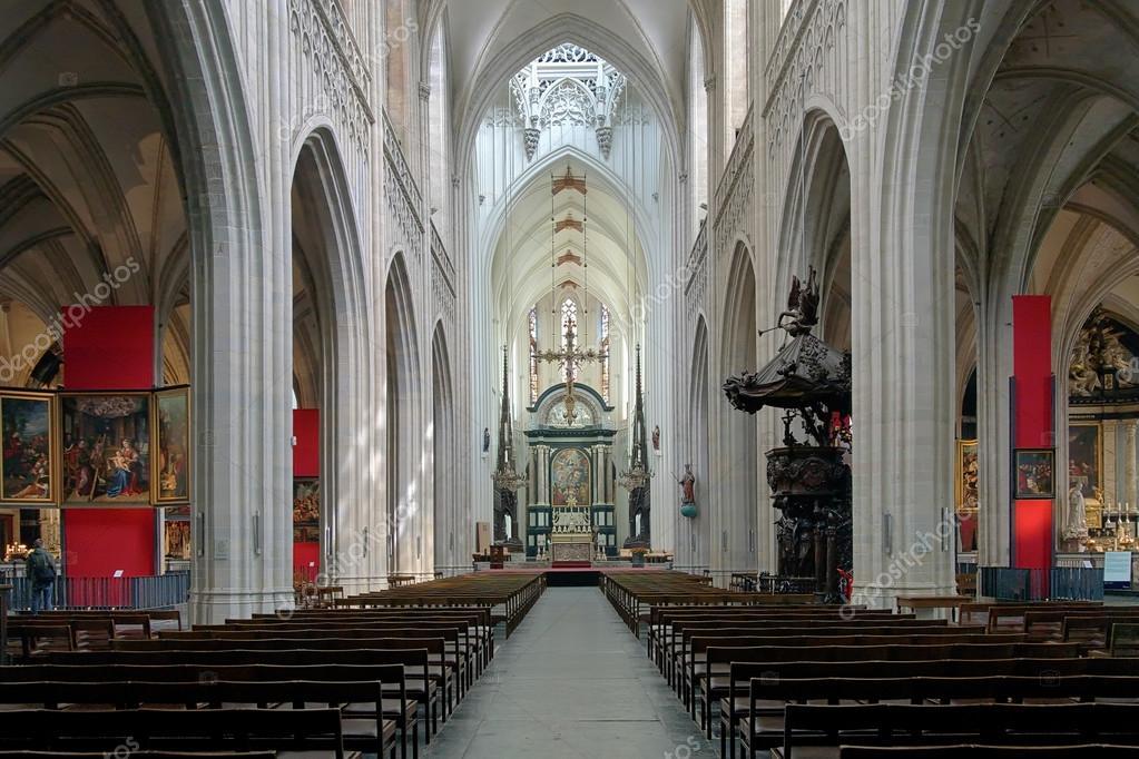 Interieur van de kathedraal van onze lieve vrouw in - Makers van het interieur ...