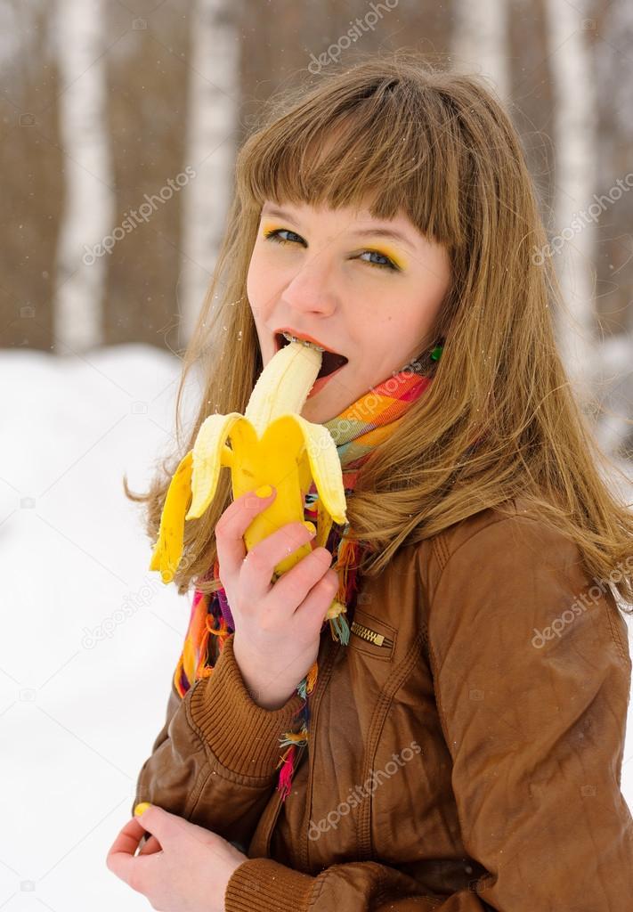 улыбающаяся девушка фото