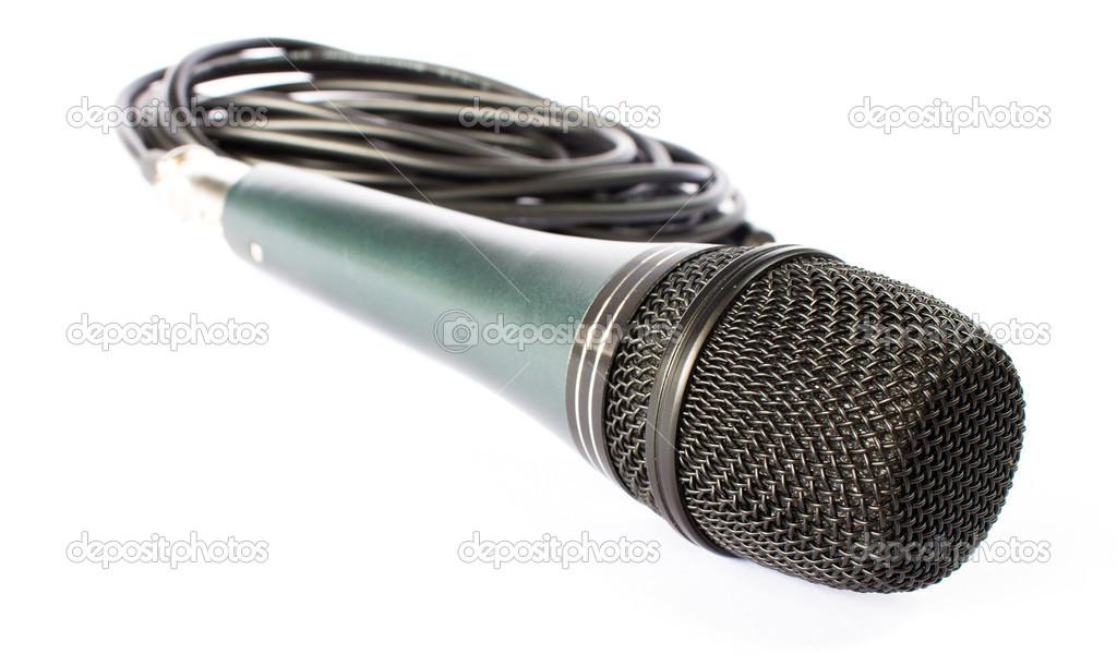 Mikrofon mit schwarzer Draht isoliert auf weiss — Stockfoto ...