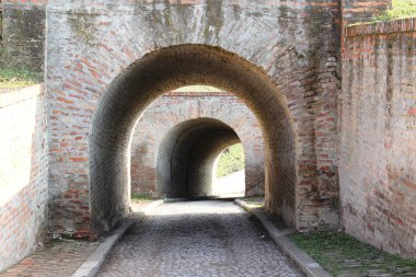 Old Fortress Tunnel Road