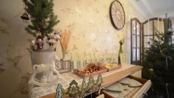 Christbaumschmuck aus Holz 1080p