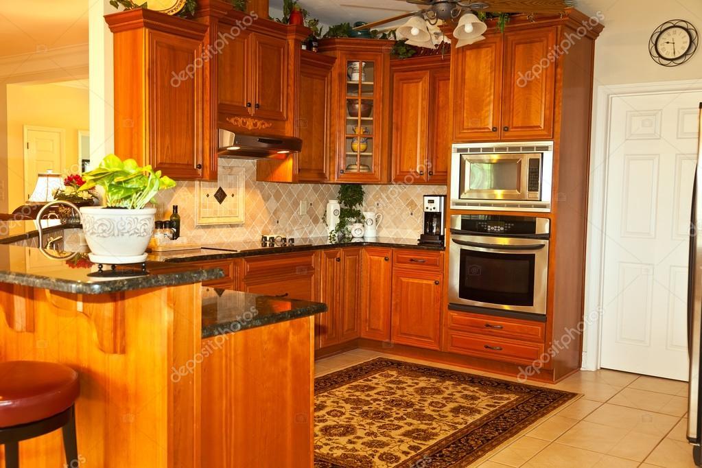 traditionelle Küche — Stockfoto © TallyPic #26475519