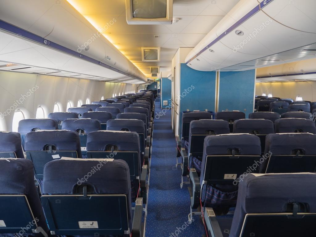 All 39 interno di un jumbo jet foto stock dolfilms 34509937 for Piani di costruzione della cabina di log