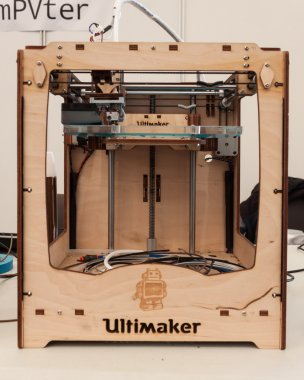 Wooden 3d printer at Robot and Makers Show