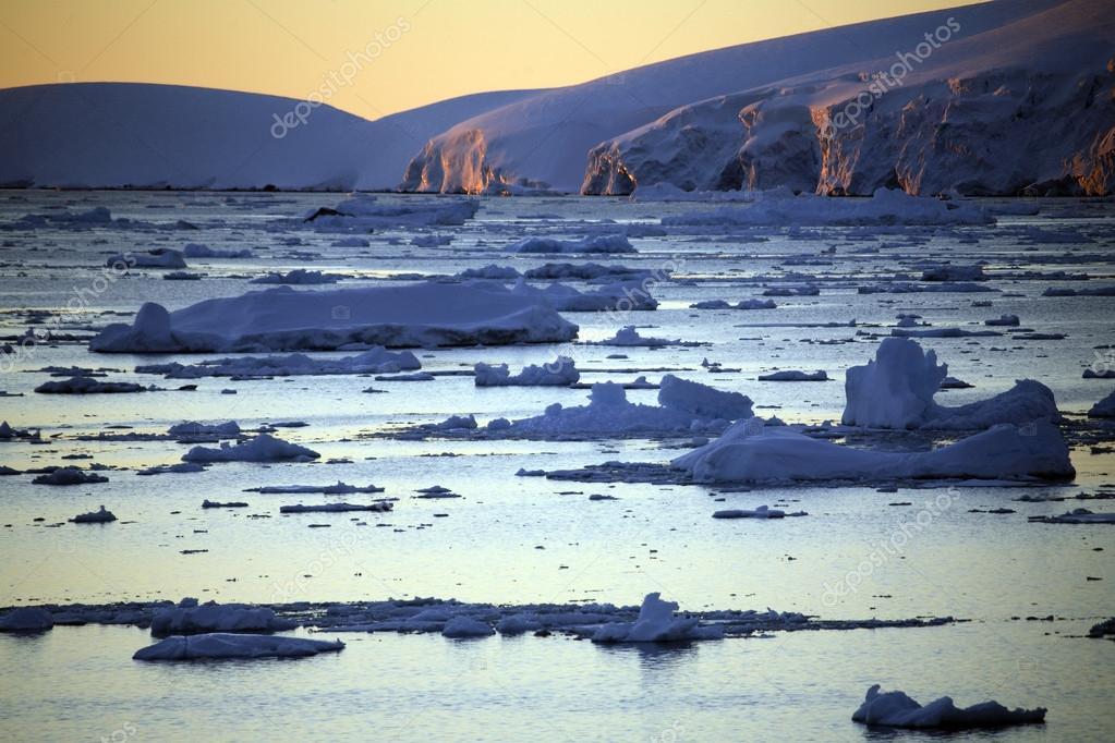 Midnight Sun - Antarctica