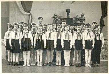 Classmates - pioneers