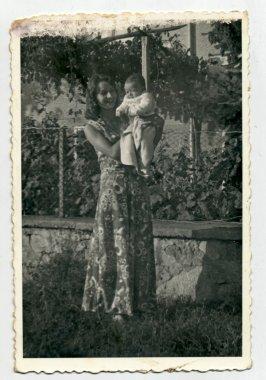 "Картина, постер, плакат, фотообои ""молодая женщина с ребенком "", артикул 36675293"