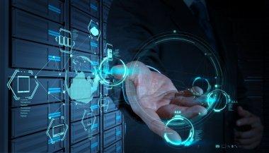 "Картина, постер, плакат, фотообои ""бизнесмен, работающий с диаграммой cloud computing над новым кооперативом "", артикул 23796733"