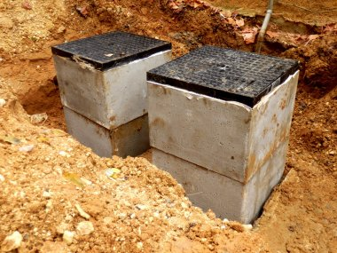 Septic tank inspection hatches