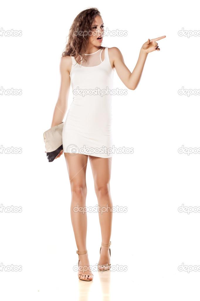 ea4f4f5b507a Dívka v krátké bílé šaty — Stock Fotografie © VGeorgiev  50581719