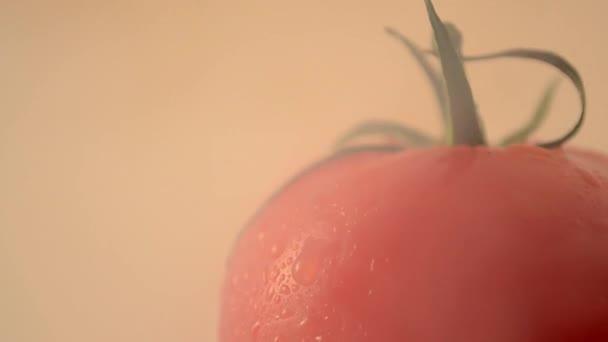 rotující rajče - jeřábu dolů