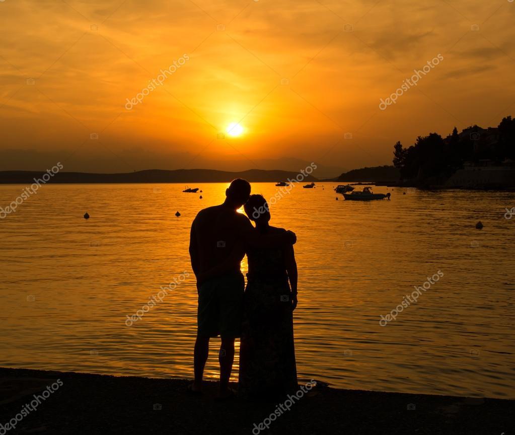 Couple Amoureux Une Soirée Romantique Fotos De Stock